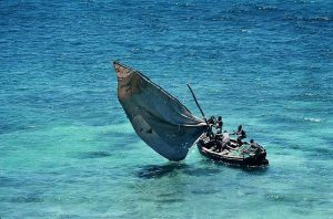 800px-Mozambique_-_traditional_sailboat